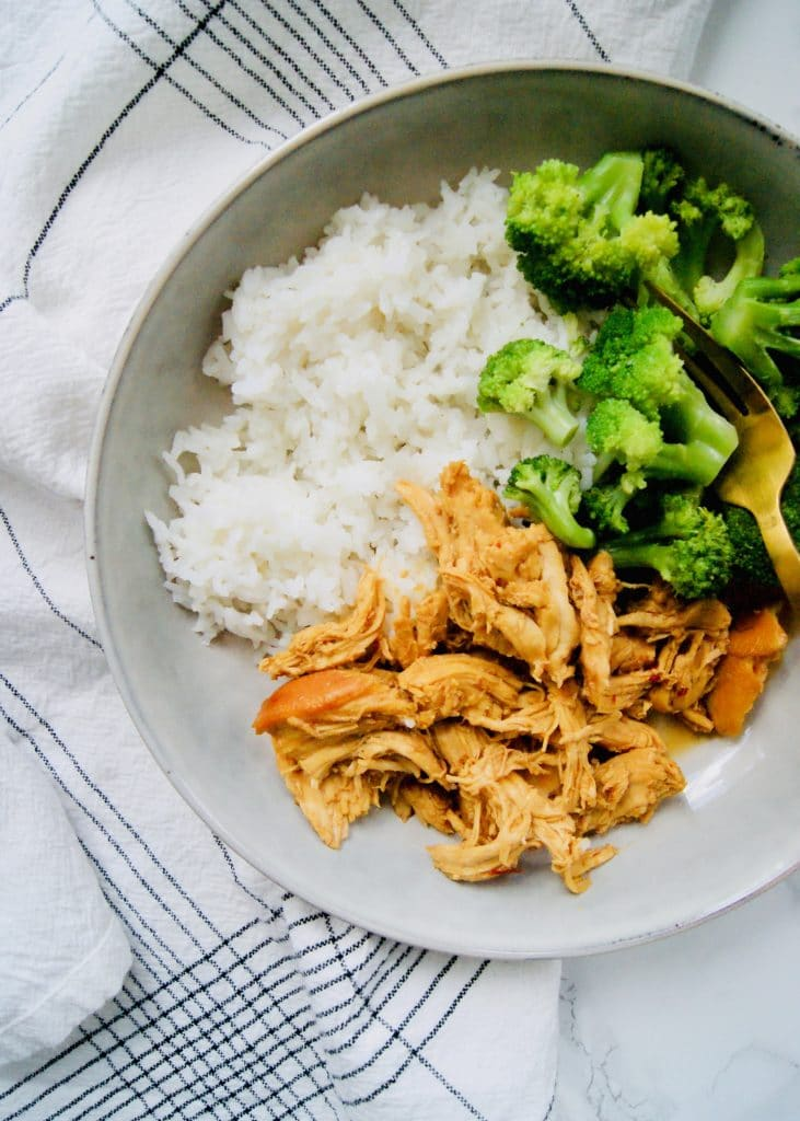 Honey-garlic-chicken-rice-and-broccoli-in-bowl