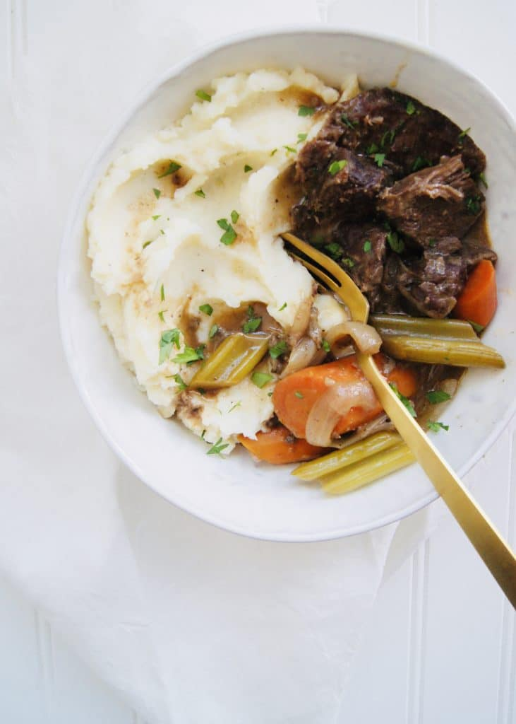 pot-roast-with-mashed-potatoes-and-gravy