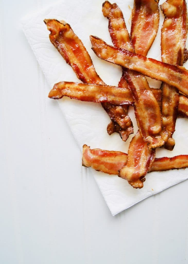 baked-bacon-on-paper-towel