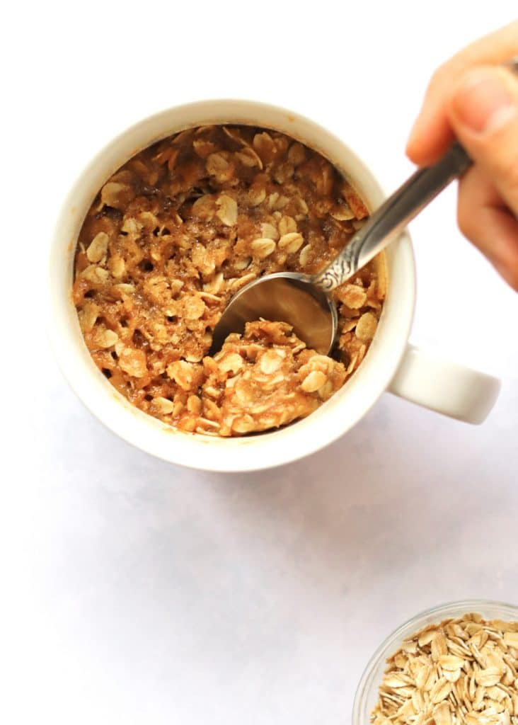 Microwave apple crisp made in a mug