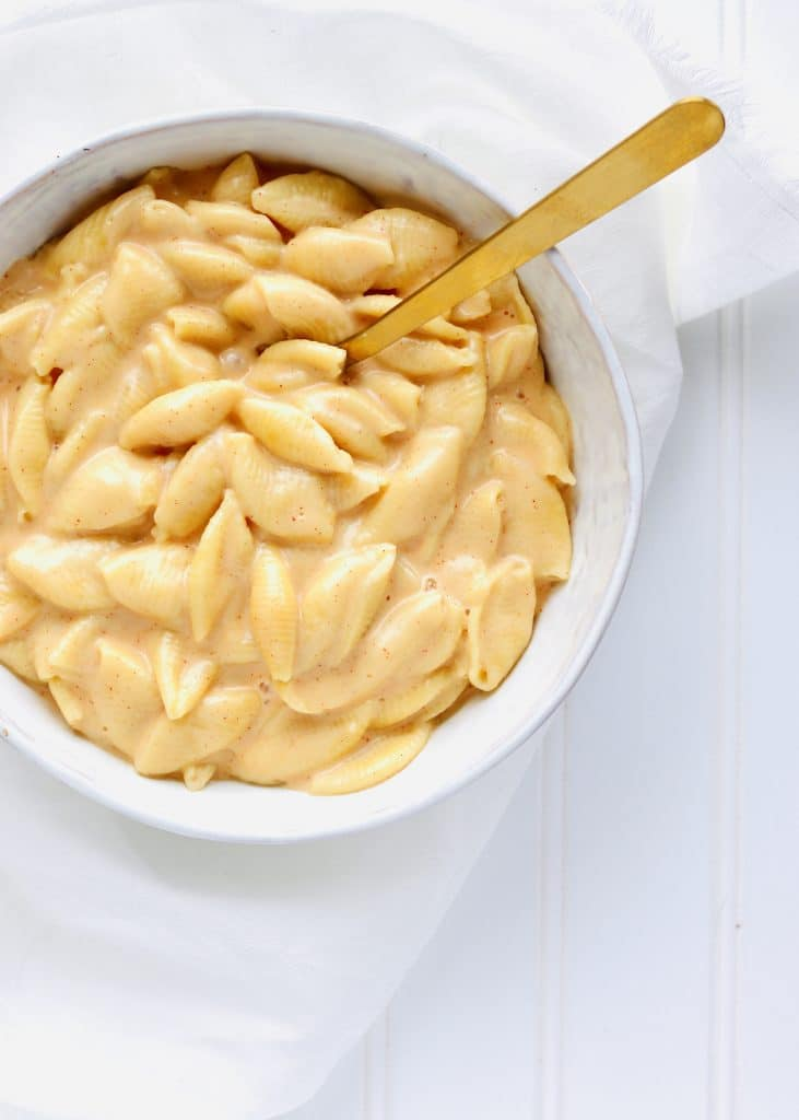Creamy Mac and cheese in bowl