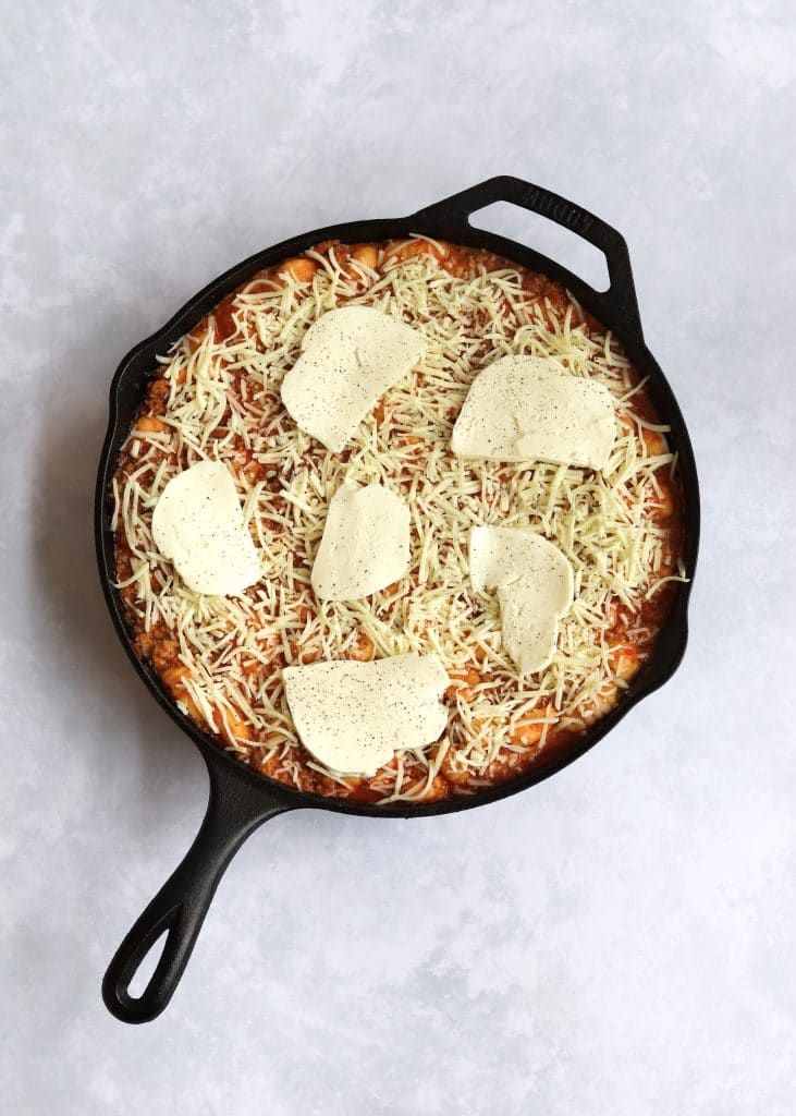 Unbaked cheesy gnocchi with mozzarella