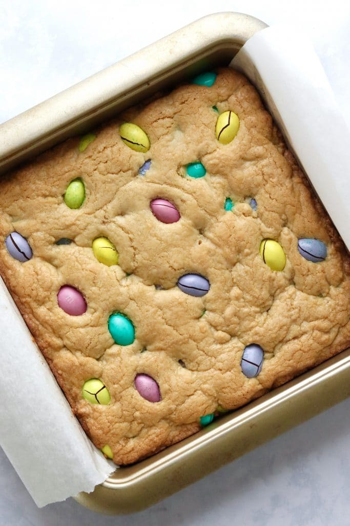 Baked easter cookie bars