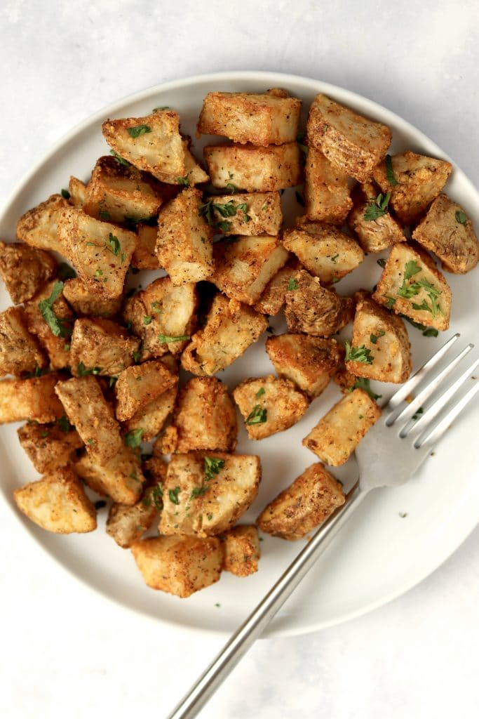 air fryer crispy potatoes on a plate